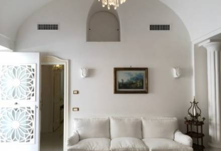 Magnificent detached house a short walk from Via Camerelle with sea views 🛁 3 🛌 2